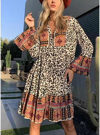 Leopard Long Sleeves/Flare Sleeves Shift Knee Length Boho/Vacation Tunic Dresses